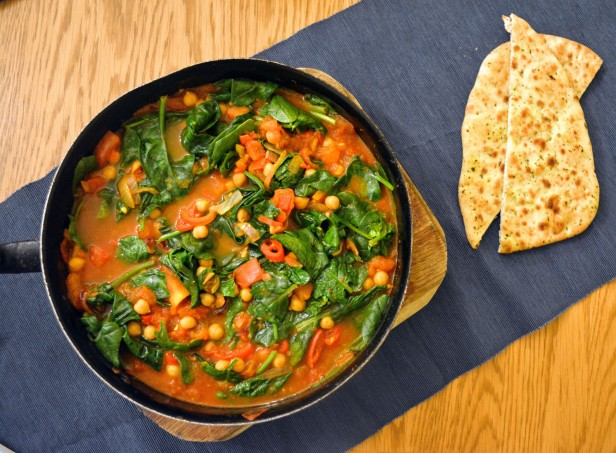 Chickpea tomato and spinach curry 1